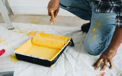 Hoe een kamer te schilderen: Stappen om muren te schilderen als een doe-het-zelver